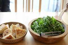 山越商店による美味しそうな料理の数々。(HOUSE TRIP -旅する住まいの見学会-)(2014-02-22,共用部,PARTY,1F)