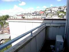 ベランダの様子。(302号室)(2007-07-13,専有部,ROOM,2F)