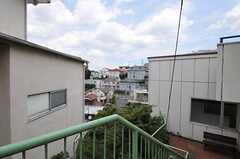 建物と建物の間から見える景色。(2012-08-03,共用部,OTHER,3F)