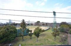 目の前には大師公園が広がっています。(2016-02-25,共用部,LIVINGROOM,4F)