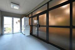 玄関ドアの様子。(2017-03-30,周辺環境,ENTRANCE,1F)