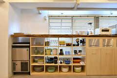 食器棚の様子。(2017-03-30,共用部,KITCHEN,1F)