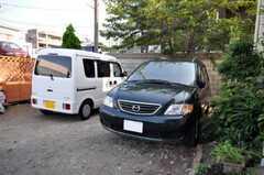 車は2台まで駐車できます。(2010-08-17,共用部,OTHER,1F)