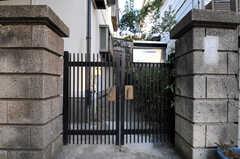 シェアハウスの門。(2011-01-19,周辺環境,ENTRANCE,1F)
