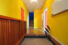 正面玄関から見た内部の様子。(2011-01-19,周辺環境,ENTRANCE,1F)