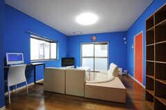 シェアハウスのリビングの様子。(2011-01-19,共用部,LIVINGROOM,2F)