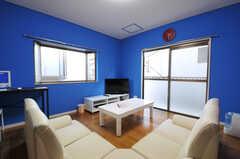 シェアハウスのリビングの様子3。(2011-01-19,共用部,LIVINGROOM,2F)