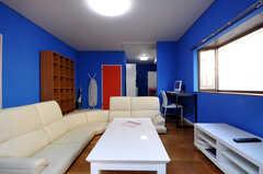 シェアハウスのリビングの様子4。(2011-01-19,共用部,LIVINGROOM,2F)