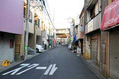 東急東横線・元住吉駅からシェアハウスへ向かう道の様子。(2011-01-19,共用部,ENVIRONMENT,1F)