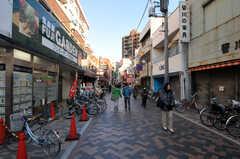 東急東横線・元住吉駅前のオズ商店街の様子。(2011-01-19,共用部,ENVIRONMENT,1F)