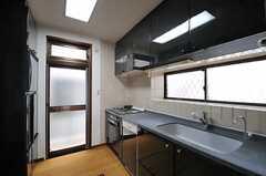 キッチンの様子。(2013-04-23,共用部,KITCHEN,1F)