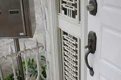 玄関のドアハンドルの様子。(2013-05-13,周辺環境,ENTRANCE,2F)
