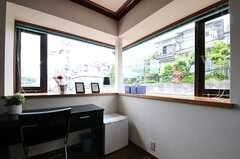 2面窓です。(301号室)(2013-05-13,専有部,ROOM,3F)