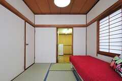 2部屋がつながっています。(102号室)(2013-05-13,専有部,ROOM,1F)