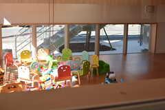 玄関の窓からは保育園が覗けます。(2017-02-13,周辺環境,ENTRANCE,1F)