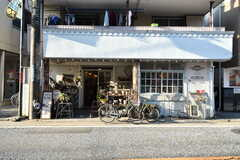 二子玉川方面にはカフェや雑貨屋さんもチラホラ。(2017-02-13,共用部,ENVIRONMENT,1F)
