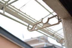 ベランダでは洗濯物も干せます。(204号室)(2020-12-14,専有部,ROOM,2F)