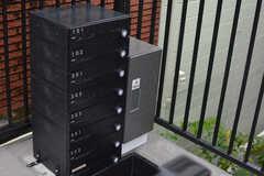 部屋ごとの郵便受けと宅配ボックスが設置されています。(2021-09-02,周辺環境,ENTRANCE,2F)