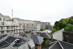 窓からの景色。周辺は住宅街です。(201号室)(2021-09-02,専有部,ROOM,2F)