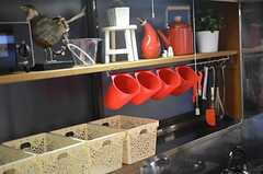 収納棚の様子。(2012-11-13,共用部,KITCHEN,1F)