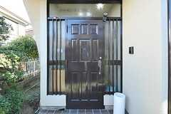 シェアハウスの正面玄関。(2013-01-11,周辺環境,ENTRANCE,1F)