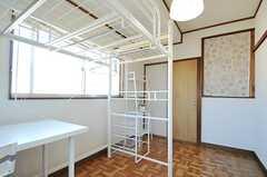 専有部の様子2。正面奥のドアは専用のトイレです。(201号室)(2013-01-11,専有部,ROOM,2F)