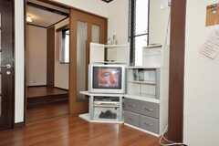 ケーブルテレビの契約があり、海外の番組も視聴可能。(2009-10-29,共用部,TV,3F)