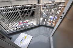 廊下から出られる非常口を兼ねたベランダの様子。(2012-03-22,共用部,OTHER,4F)