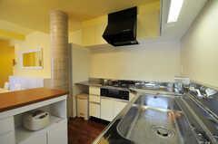 シェアハウスのキッチンの様子2。(2011-07-06,共用部,KITCHEN,2F)