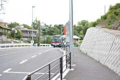 溝の口駅直通のバス停の様子。(2021-06-01,共用部,ENVIRONMENT,1F)