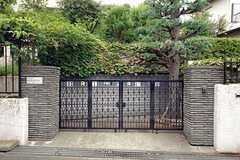 シェアハウスの正門。(2010-08-22,周辺環境,ENTRANCE,1F)