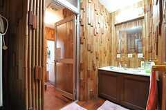 脱衣室と洗面台の様子。(2013-02-20,共用部,BATH,1F)