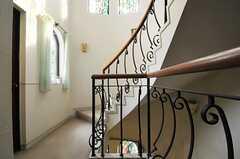 廊下と階段の手すり。(2013-02-20,共用部,OTHER,2F)