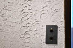 壁面の仕上げが特徴的。(2020-01-31,共用部,OTHER,1F)