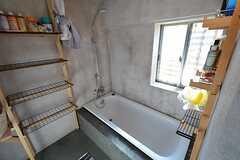 バスルームの様子2。足を伸ばして入れるサイズ。(2014-12-18,共用部,BATH,2F)