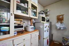 キッチンの対面は食器棚です。(2017-06-22,共用部,KITCHEN,1F)