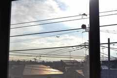 米軍基地が近く、マニアにはたまらないヘリコプターや旅客機が飛んでいることも。(2012-09-19,共用部,OTHER,3F)