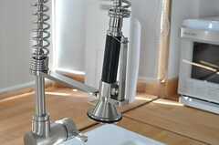 水栓は握って使えるタイプ。(2012-09-19,共用部,KITCHEN,3F)