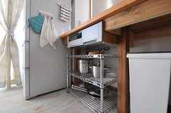 収納は作業台の下に収まるように作られています。(2012-09-19,共用部,KITCHEN,3F)