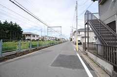 小田急江ノ島線・高座渋谷駅からシェアハウスへ向かう道の様子。(2012-09-19,共用部,ENVIRONMENT,1F)