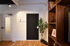 黒板塗装のインフォメーションボード。(2017-08-09,共用部,LIVINGROOM,3F)