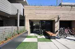 シェアハウスの正面玄関。(2011-02-18,周辺環境,ENTRANCE,1F)