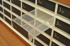 部屋ごとに分けられた食材などを置くスペースです。(2011-02-18,共用部,KITCHEN,1F)