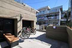 自転車置き場の様子。(2011-03-04,共用部,GARAGE,1F)