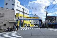各線・菊名駅からシェアハウスへ向かう道の様子。(2011-02-18,共用部,ENVIRONMENT,2F)