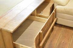 ベッドの下には収納が用意されています。(103号室)(2016-09-30,専有部,ROOM,1F)