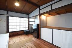 専有部の様子。全室、床は杉の無垢材です。(202号室)(2016-09-30,専有部,ROOM,2F)