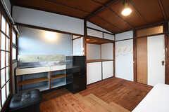 専有部の様子2。キッチン脇には窓が取り付けられています。(202号室)(2016-09-30,専有部,ROOM,2F)
