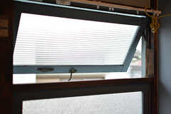 窓の様子。(202号室)(2016-09-30,専有部,ROOM,2F)