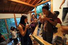 流しそうめんイベントの様子。建物の周辺に生えていた竹を使用しています。(2011-07-30,共用部,PARTY,4F)